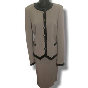 TULLO Taupe Fully Lined Skirt Suit 100% Wool Sz 12